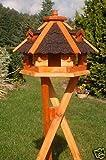Vogelhäuschen, Vogelhaus mit Bitumschindeln, behandelt mit Ständer, Vogelfutterhaus mit...
