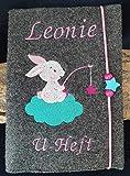 U-Hefthülle mit Namen/Geburtsdatum Hase Stern Wolke personalisiert bestickt Mädchen