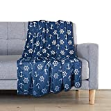 Delindo Lifestyle® Kuscheldecke Nautic BLAU, Microfaser Fleece-Decke in 150x200 cm, flauschig...