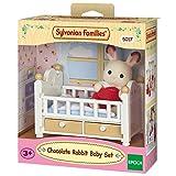 Sylvanian Families - 5017 - Schokoladenhasen Baby mit Babybett